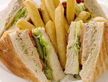 Κλαμπ σάντουιτς με τόνο