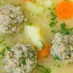 Γιουβαρλάκια σούπα με λαχανικά