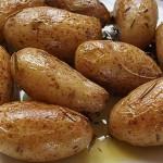 Πατάτες με σκόρδο και δεντρολίβανο