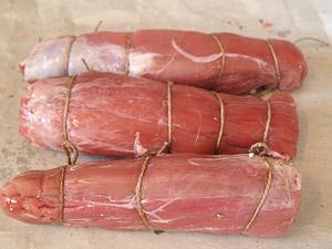 ψαρονέφρι γεμιστό δεμένο με σπάγκο