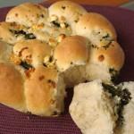 Ψωμί γεμιστό με σπανάκι και φέτα