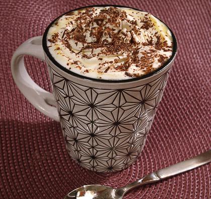 Ζεστή άσπρη σοκολάτα