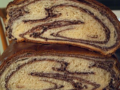 Τσουρέκι δίχρωμο με σοκολάτα