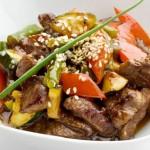Γλυκόξινο χοιρινό ψαρονέφρι με λαχανικά