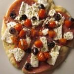 Συνταγή από Jenny για Ελληνική πίτα με σαλάμι, φέτα, ελιές και ντοματίνια