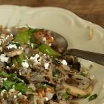 Ζεστή Σαλάτα από Άγριο Ρύζι, Μανιτάρια, Σπαράγγια και Πεκάν