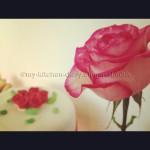 Συνταγή από Jenny για Τριανταφυλλένια βελούδινη τούρτα με ζαχαρόπαστα και ιδέε...