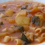 Ντοματόσουπα με ζυμαρικά