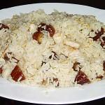 Ρύζι με κοτόπουλο, χουρμάδες