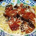 Ζυμαρικά βίδες με σάλτσα μελιτζάνας, λιαστής ντ