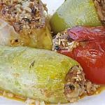 Λαχανικά γεμιστά με ρύζι, καρύδια
