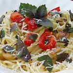 Σπαγγέτι με μπέικον, λαχανικά