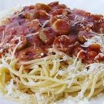 Σπαγγέτι με σάλτσα ελιάς