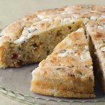 Εύκολο ψωμί με μπέικον και φέτα