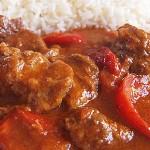 Μοσχαράκι κοκκινιστό κατσαρόλας με πιπεριές