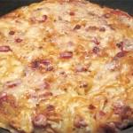 Πατάτες στο τηγάνι με τυρί και μπέικον
