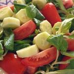 Σαλάτα βαλεριάνα με ντομάτα