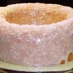 Kέικ ινδοκάρυδου με γλάσο άσπρης σοκολάτας