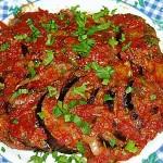 Μελιτζάνες με σάλτσα ντομάτας