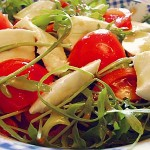 Σαλάτα με ρόκα, μοτσαρέλα