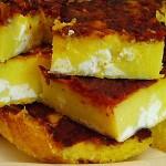 Καλαμποκόψωμο με τυρί, ντομάτα