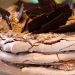Μαρέγκα με σοκολάτα, φουντούκια