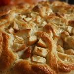 Τσουρέκι με μήλο