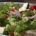 Σαλάτα με κοτόπουλο και αβοκάντο
