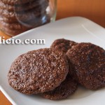 Πανεύκολα σοκολατένια μπισκότα με φουντούκι