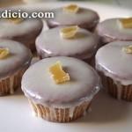 Καπκέικς με τζίντζερ και γλάσο λεμονιού