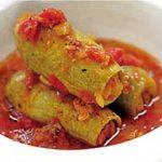 Κολοκυθάκια γεμιστά με κιμά και σάλτσα ντομάτα