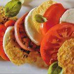 Σαλάτα με μοτσαρέλα και παρμεζάνα