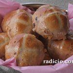 Γλυκά ψωμάκια (hot cross buns)