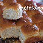 Αφράτα ψωμάκια (dinner rolls)