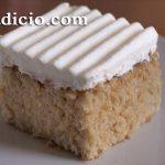 Κέικ με τριών ειδών γάλα (tres leches cake)